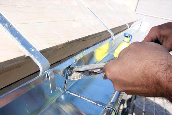 detalle de montaje en instalación de canalón
