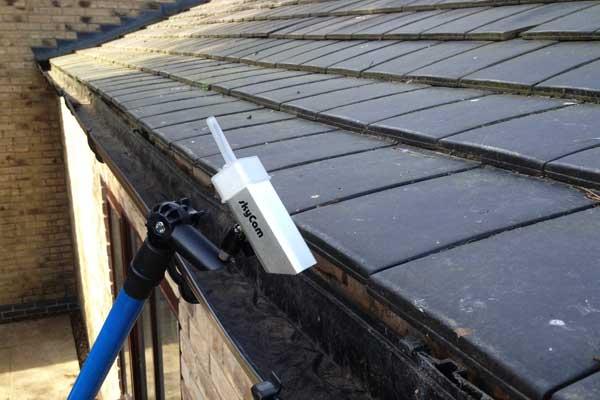 Cámara para realizar la revisión y el mantenimiento de canalones