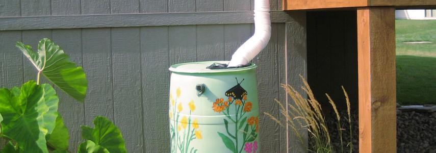 Depósito De Agua De Lluvia En Una Instalación De Canalones